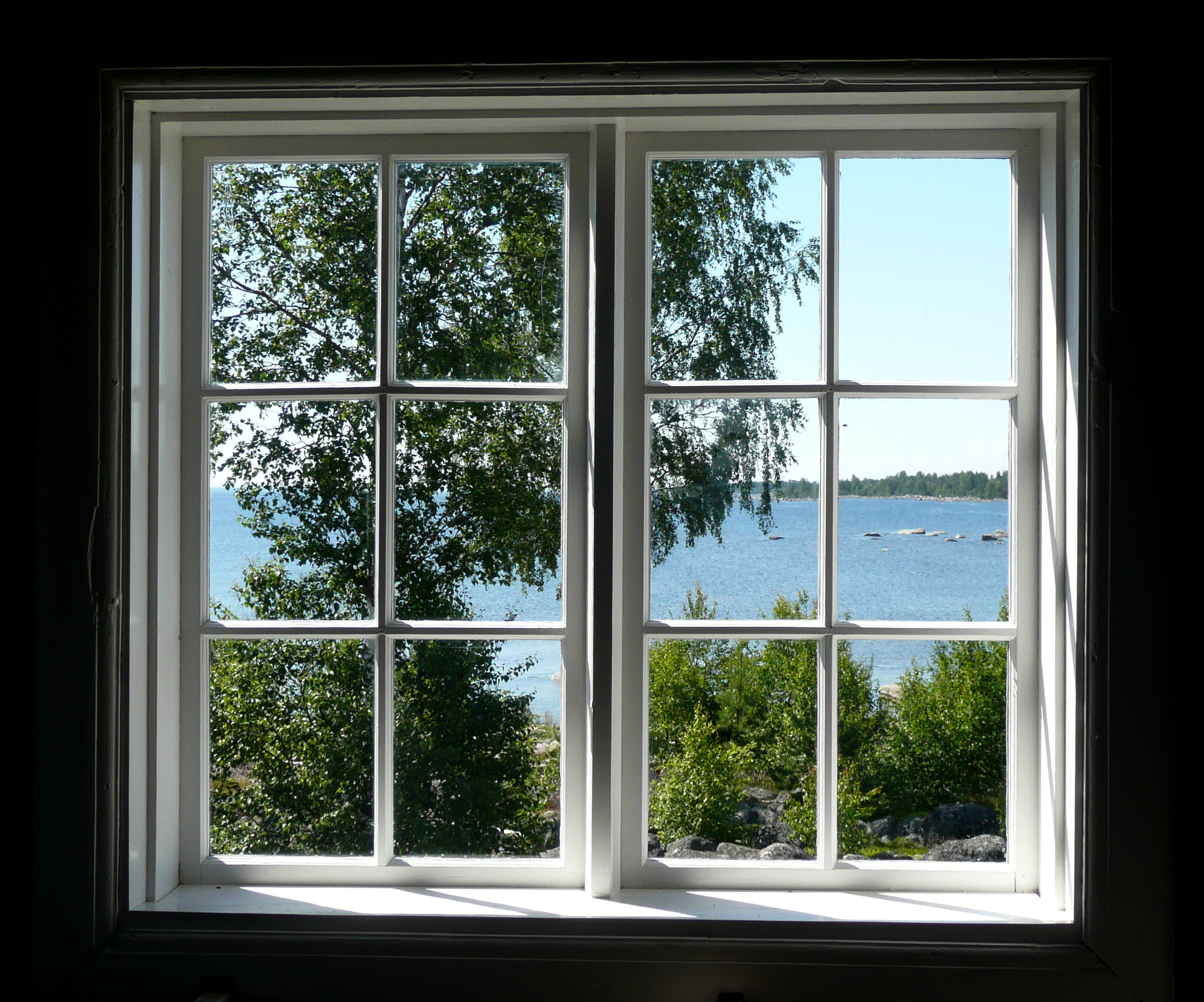 Pictures of house windows easy home decorating ideas for Picture window replacement