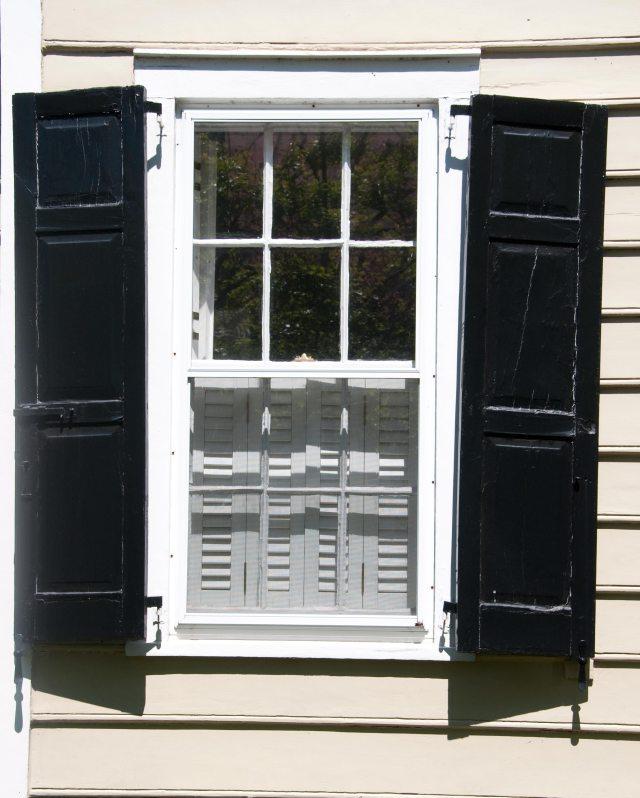 Repairing windows in Overland Park